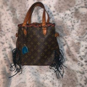 Authentic Louis Vuitton batignolles boho style 💚